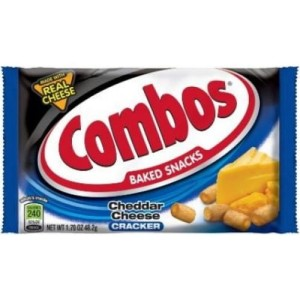 Krakersy Combos Cheddar Cheese Cracker 48,2g